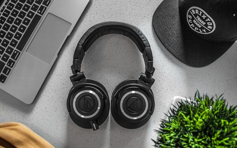 10 Best Bluetooth Headphones Under 2000 in India